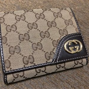 👜 Gucci Wallet - slightly used